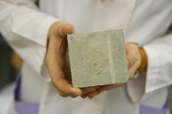Нанопорошок улучшит свойства бетона и древесины