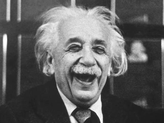 Альберт Эйнштейн взимал плату за автографы