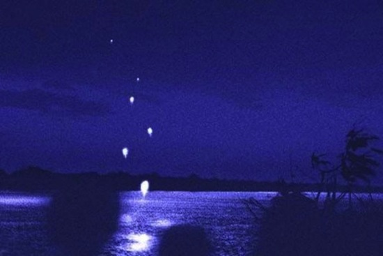 Река Меконг в Таиланде «стреляет» в воздух огненными шарами
