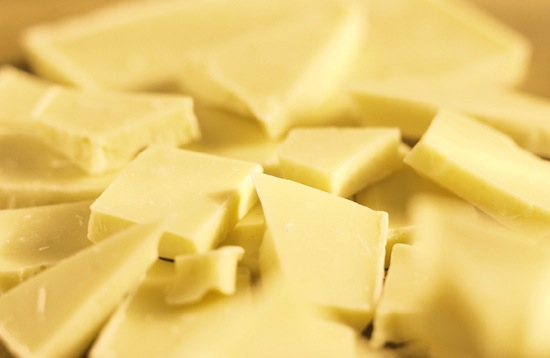 Большинство видов белого шоколада не имеют к шоколаду никакого отношения
