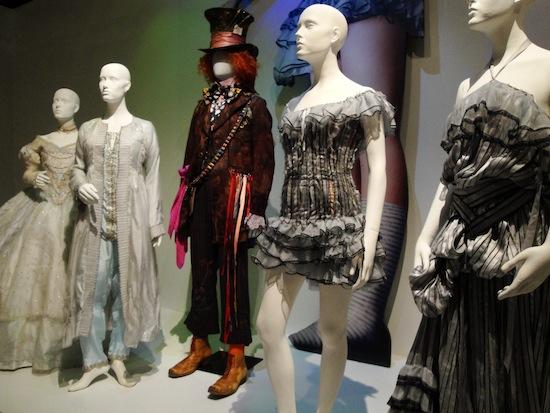 Коллин Этвуд одела множество популярных киноперсонажей