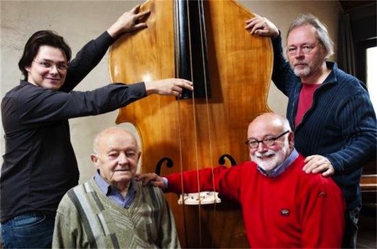 Самый большой и самый низко звучащий струнный инструмент — это октобас