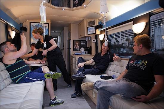 В Лас-Вегасе есть «похмелобус» — автобус, избавляющий от похмелья