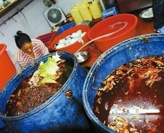 В Китае производят помойное масло