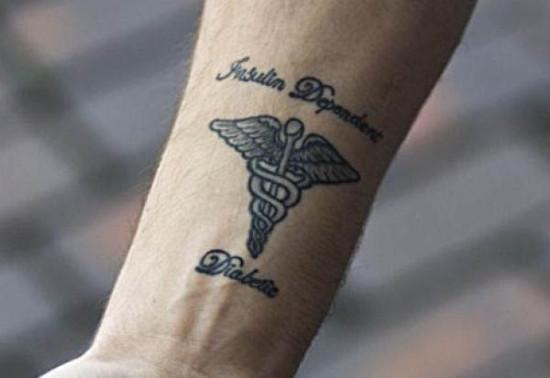 Медицинская татуировка — это запись на вашем теле о вашем здоровье