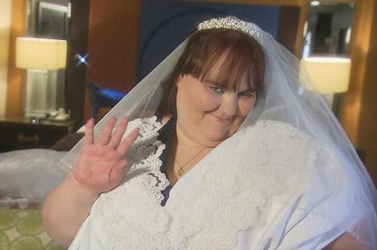 Сюзанна Эман ест 30 000 ккал в день, чтобы стать самой толстой невестой в мире