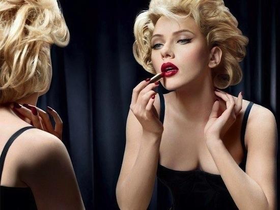 В среднем, блондинки собираются перед выходом дольше, чем брюнетки