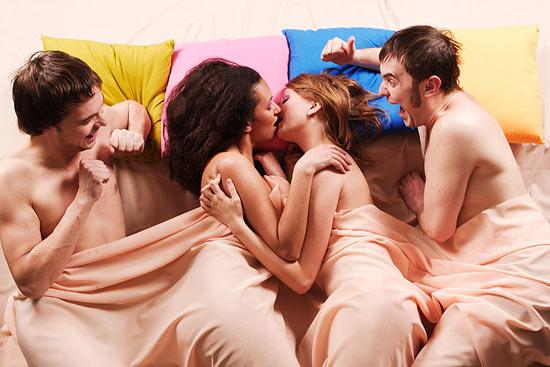 Около 80% людей, называющих себя бисексуальными, на самом деле не являются таковыми