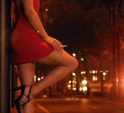Треть мужчин, покупающих услуги проституток, на самом деле ищут любви