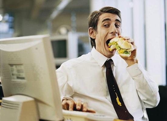 Сидячий образ жизни не способствует ожирению