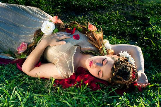Синдром Спящей красавицы — неврологическое расстройство, при котором человек всё время спит