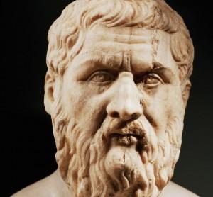 На самом деле древнегреческого философа Платона звали Аристокл