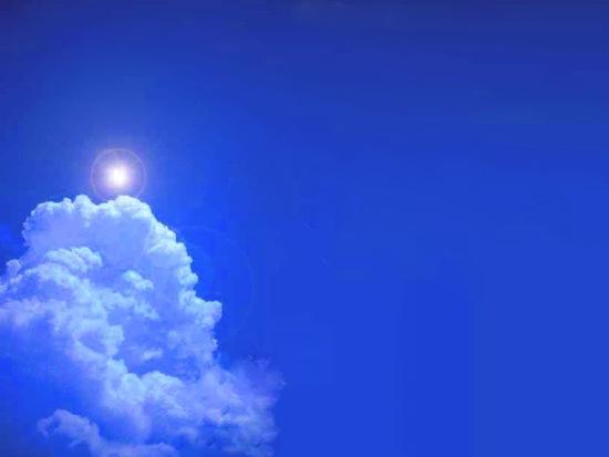 В древнегреческом языке не существовало слова «синий», а цвет неба назывался «бронзовый»