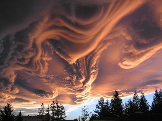 Существуют красивые облака, которые настолько редко встречаются, что не поддаются классификации