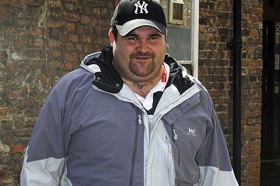 Уборщик мусора Майкл Кэррол выиграл $15 млн в лотерею, всё потерял и снова начал работать уборщиком