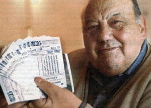 «Самый везучий человек в мире» выжил в нескольких катастрофах, а потом выиграл миллион в лотерею