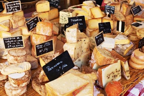 Чаще всего в продуктовых магазинах воруют сыр