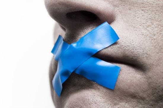 Молчание можно считать формой эмоционального насилия