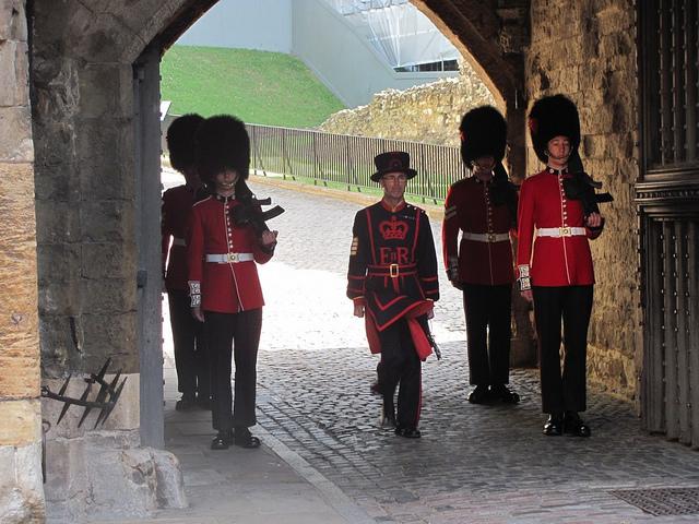 Церемония Ключей в Лондоне не прерывалась и не менялась с 14-го века