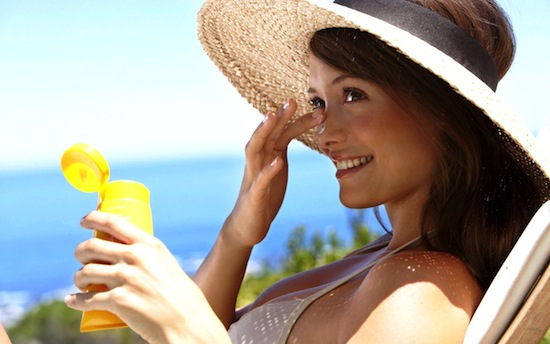 Солнцезащитный крем замедляет старение кожи