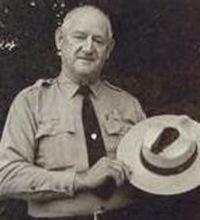 В американца Роя Салливана молния попадала 7 раз, и он выжил
