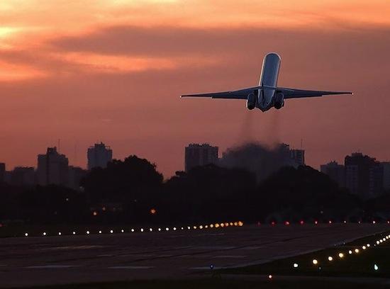 5 важных фактов о том, как выжить в авиакатастрофе