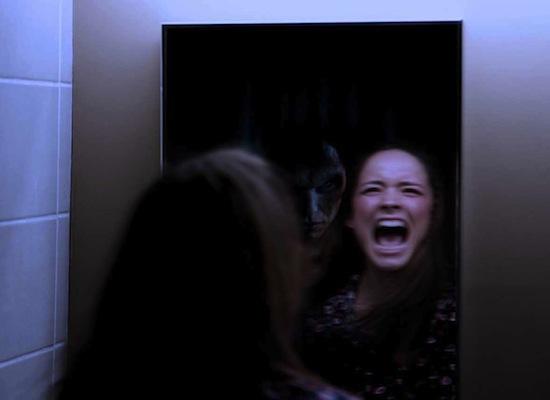 Вы видите призраков в зеркалах из-за феномена Трокслера