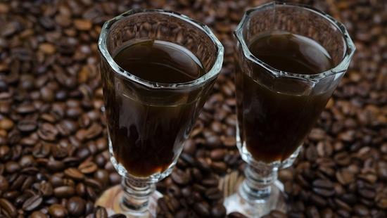 Из кофе можно добыть алкоголь