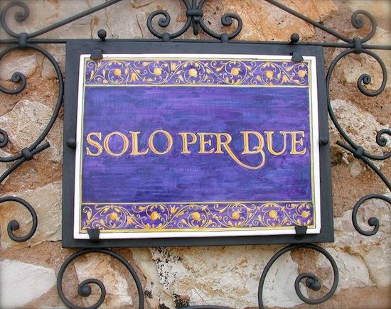 В Италии есть ресторан, который вмещает только двое посетителей