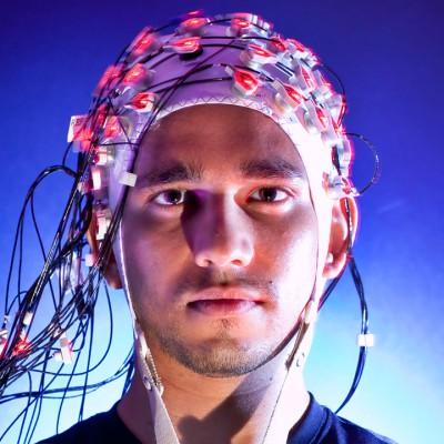 Учёным удалось соединить мозги двух людей с помощью компьютера