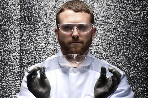 Gorilla Glass, стекло повышенной прочности, было изобретено ещё в 1952-м году