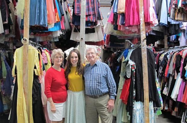 Любящий муж купил своей жене 55 тысяч платьев за 56 лет их брака