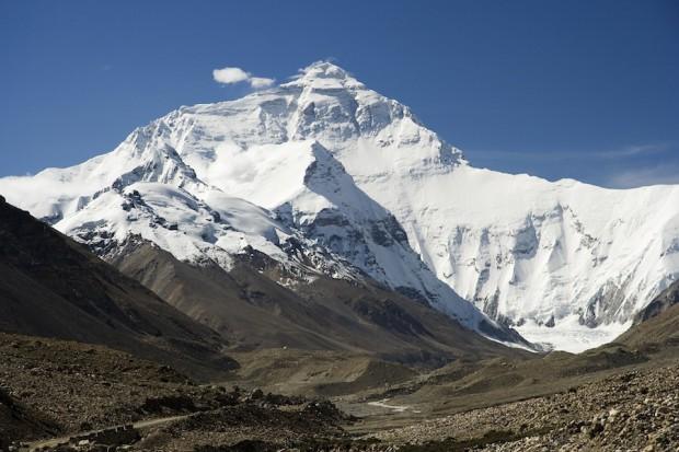 Вы можете заплатить $80 000 и взобраться на Эверест без необходимого опыта и навыков