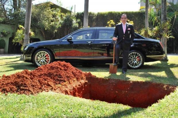 Бразильский бизнесмен собрался похоронить свой Bentley