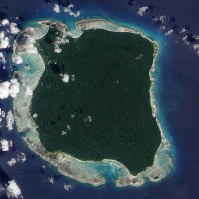 Туземцы одного из островов в Индийском океане убивают всех, кто к ним приплывает