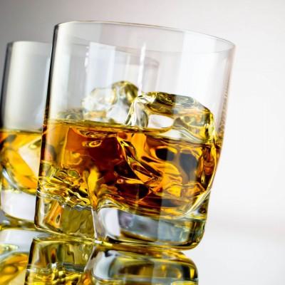 На самом деле спиртные напитки не убивают клетки мозга