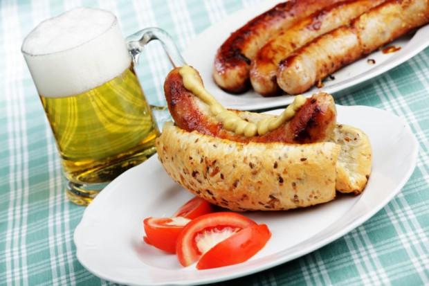 Американец избавился от 6 лишних кг за месяц, сидя на сосисочно-пивной диете