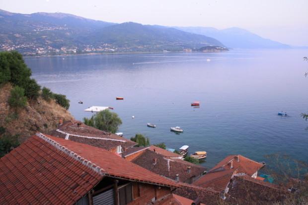 Вид на Охридское Озеро