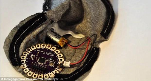 «Электрический угорь» — презерватив, вырабатывающий электрические импульсы для большего удовольствия