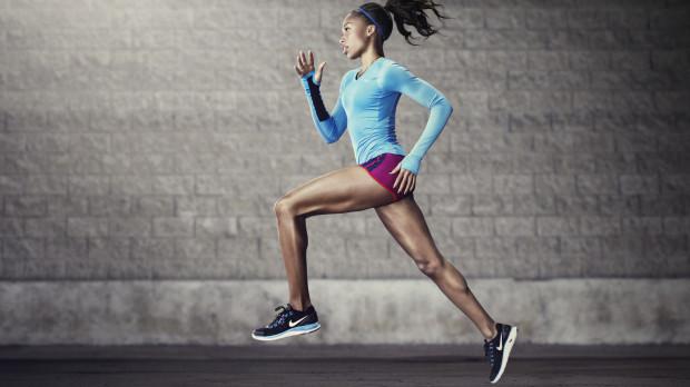 Женская грудь при беге не прыгает вверх и вниз, а движется «восьмёркой»