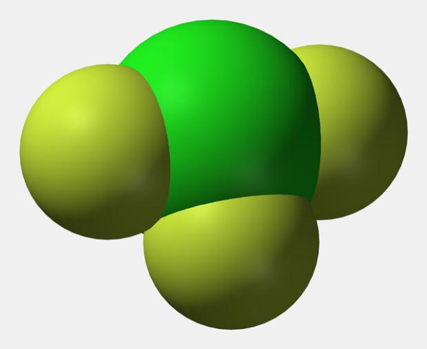 Существует очень опасное химическое соединение, с помощью которого можно поджечь даже стекло
