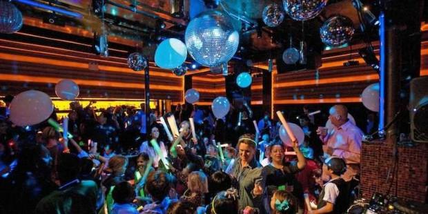 В Нью-Йорке есть ночной клуб для детей
