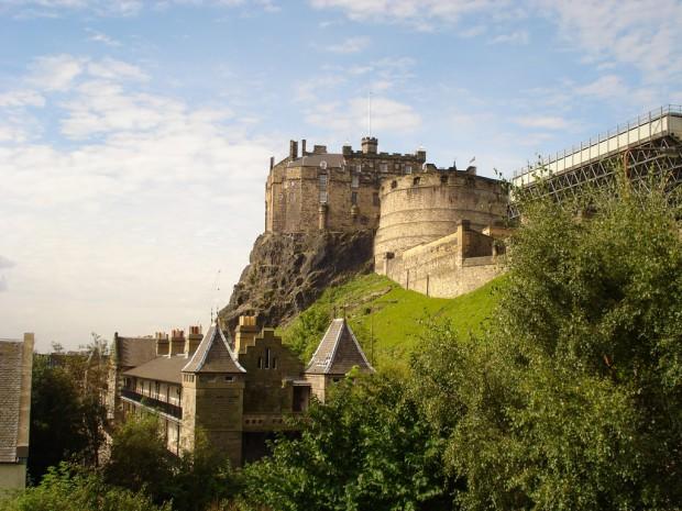 Самый известный замок Шотландии — Эдинбургский замок — был загадкой уже в древности