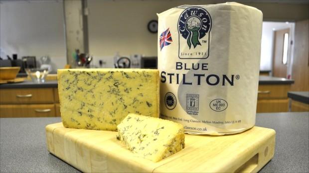 Голубой стилтонский сыр