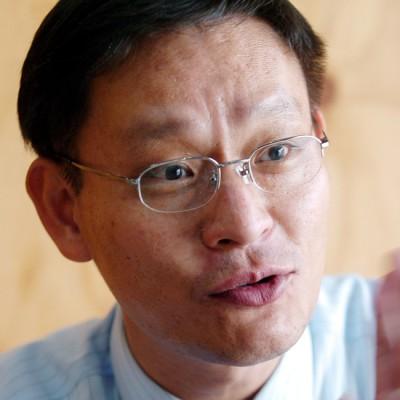 фото мужчины 40 лет обычного в очках