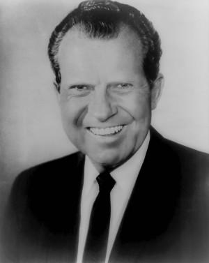 Ричард Никсон без бровей