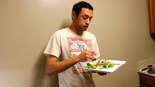 30 дней жуков: студент месяц просидел на диете из насекомых
