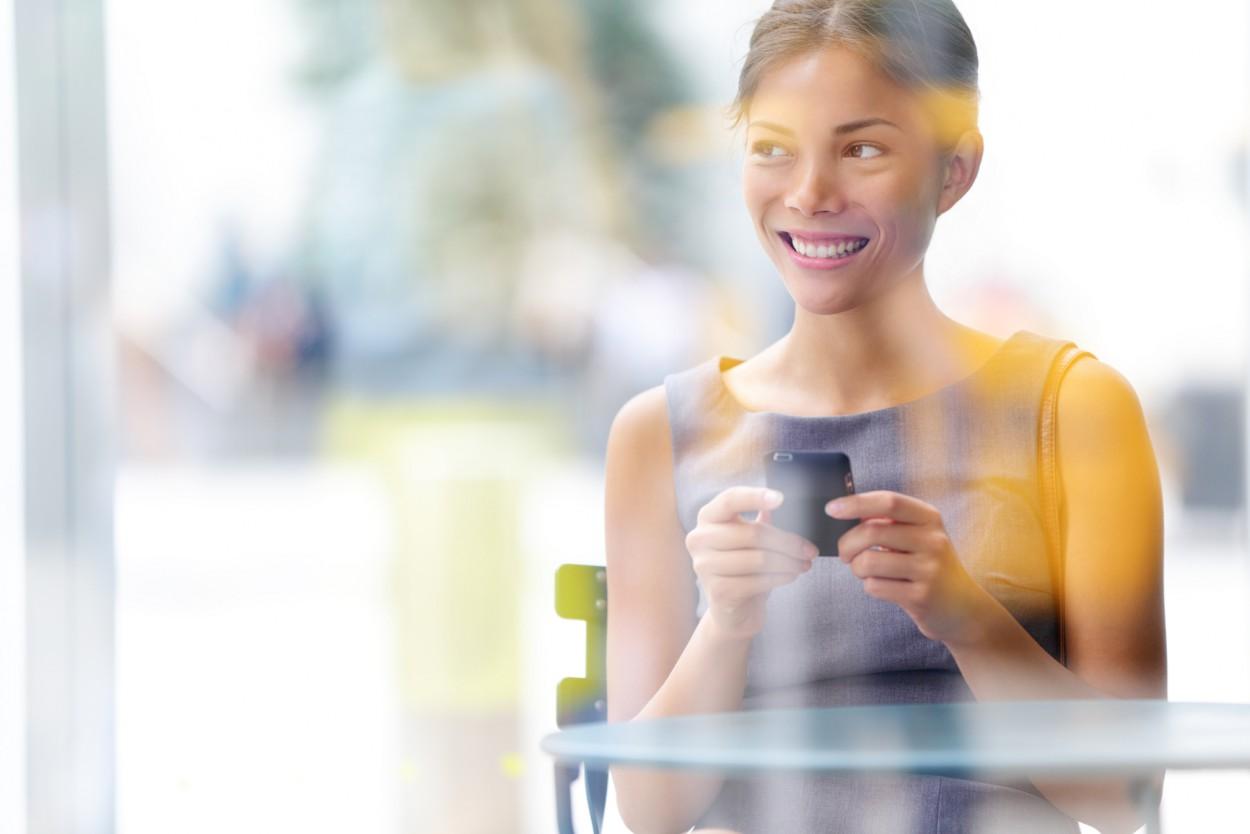 Почему мы перестали отрывать взгляд от экрана телефона (5 фото)