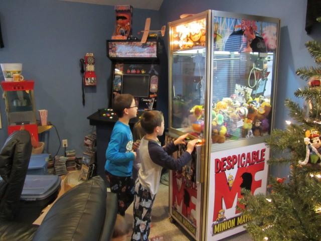 Автомат с игрушками как выиграть