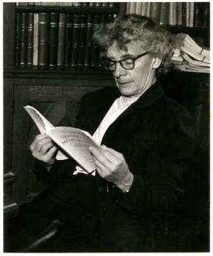 Лоретта Бендер